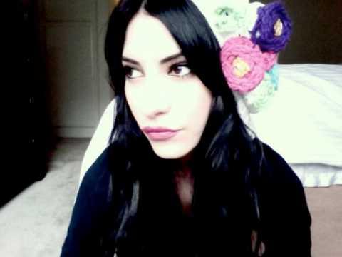 Lisa Marie (The Veronicas) & Tyler Bryant - Green Eyes Make Me Blue