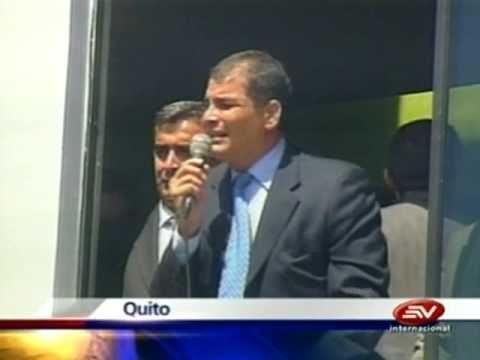 """Ecuador, Correa: """"Si quieren matar al Presidente, aquí está, mátenme"""" ¿Ecuavisa juega al golpe?"""
