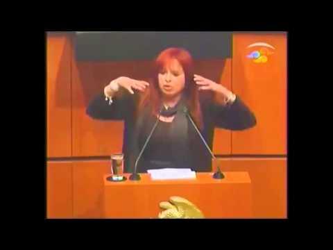 Esta diputada le tira con todo al presidente de Mexico ante los continuos asesinatos de estudiantes.