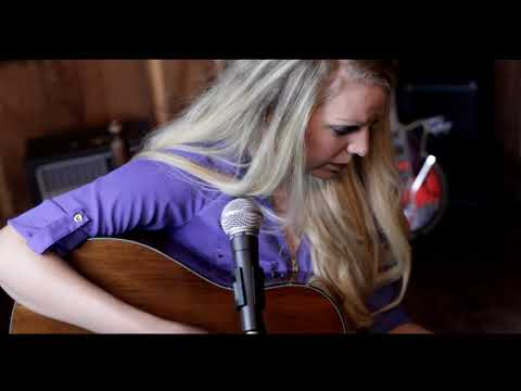 """The Acoustic Sessions with Hannah Belle- """"Feet On The Ground"""""""
