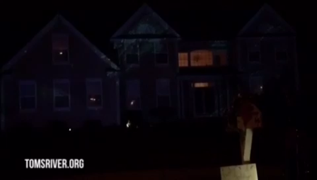 Christmas lights synched to Frozen's Let it Go in Toms  River