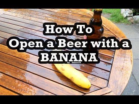 Abrir cerveja com uma banana