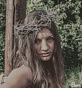 La Belleza Crucificada
