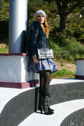 Arantxa Bag in marine blue with a very special look, where Bea Conesa looks great