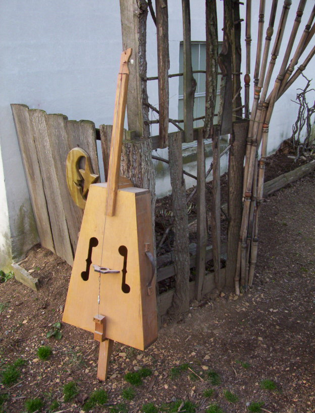 1 String Upright Bass
