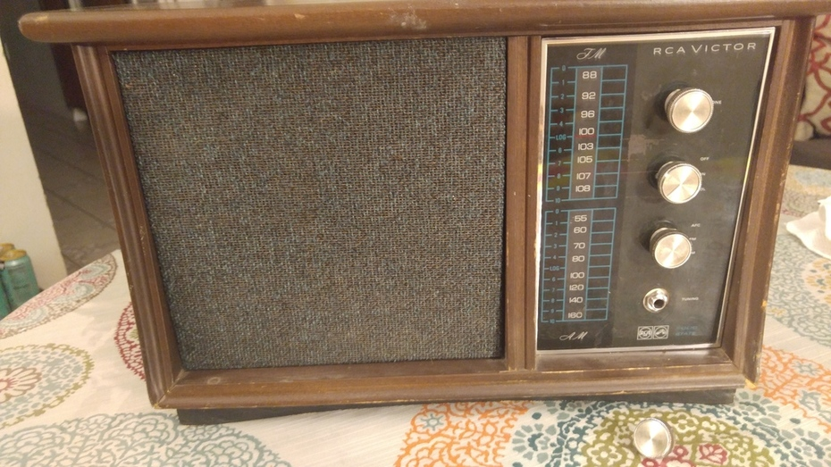 RCA Victor - DIY Guitar Amp!