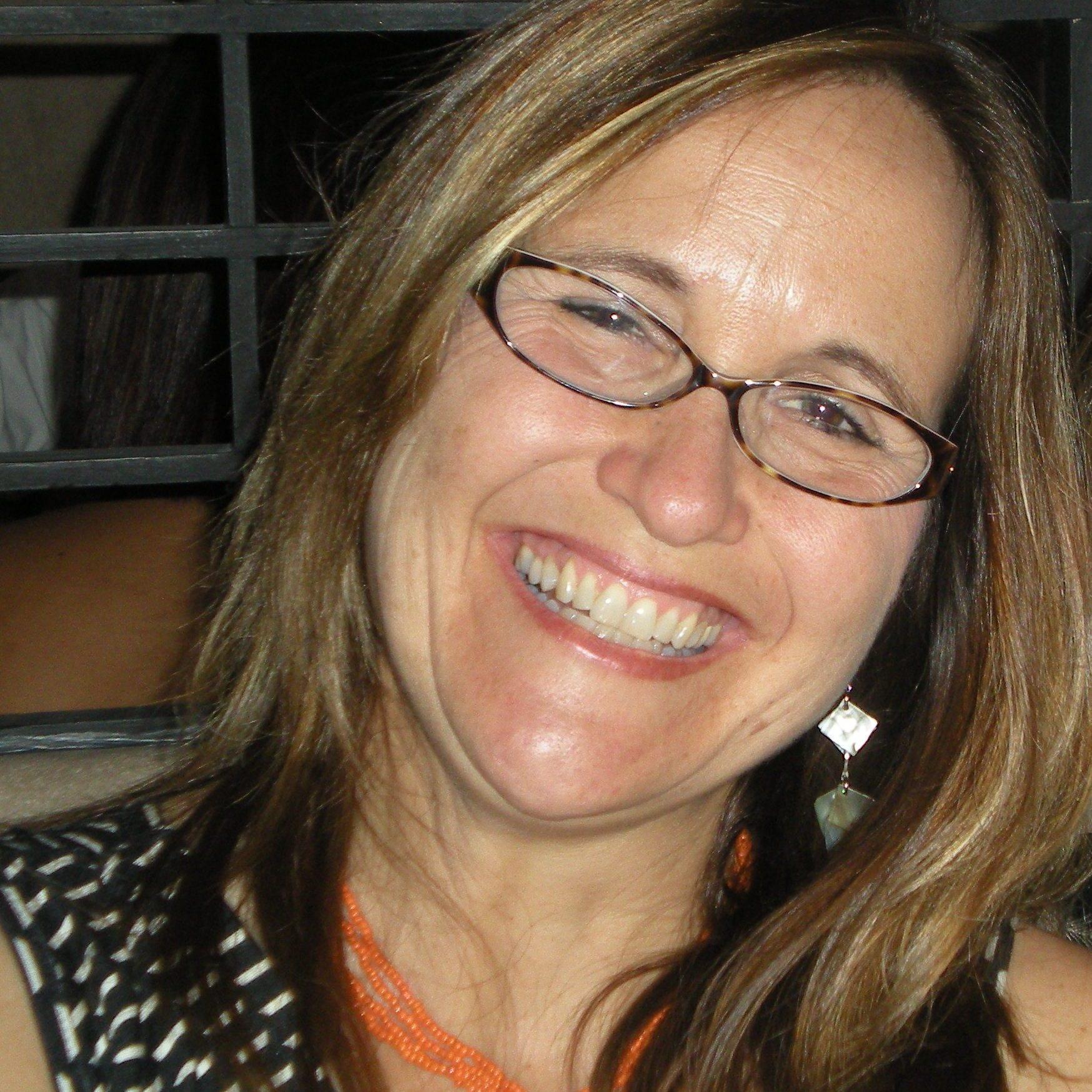 Laura Cootsona