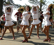 USC Cheerleaders Do A Cheer For You!