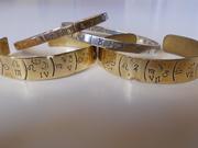pulseiras em bronze 35 €, prata 80€