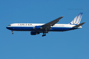 United Airlines B767-322ER (N657UA)