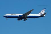 United Airlines B767-322ER (N655UA)