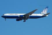 United Airlines B767-322ER (N654UA)