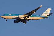 KLM Royal Dutch Airlines A330-203 (PH-AOH)