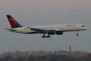 Delta Air Lines 757-232 (N610DL)