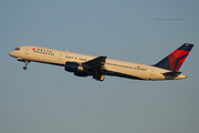 Delta Air Lines 757-232 (N656DL)
