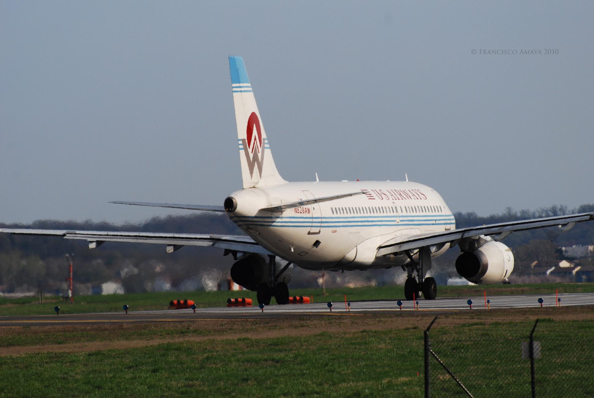 US Airways A319-132 (N828AW) (1)