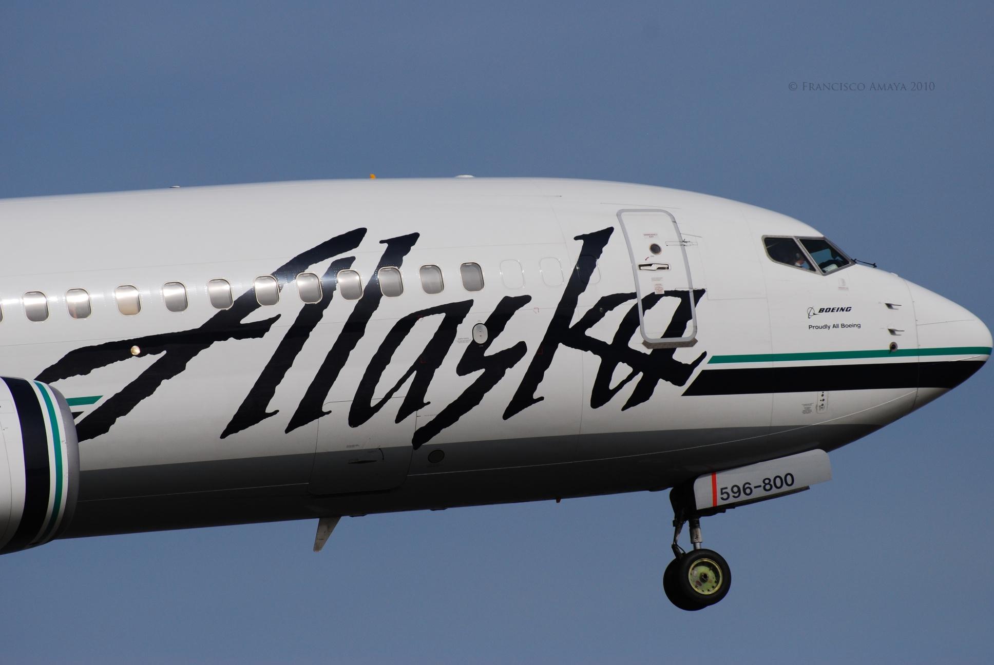 Alaska Boeing 737-890 (N596AS)