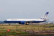 United Airlines Boeing 757-222 (N559UA) (1)