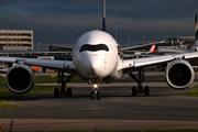 9V-SMK A350 SQC AVP egcc uk