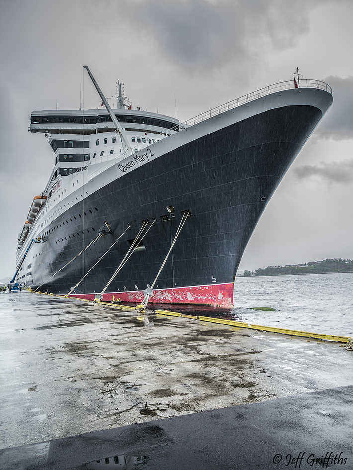 Queen Mary 2 MMSI 310627000