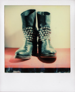 paola boots with studs