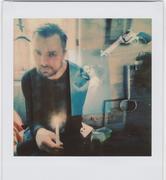 doppia esposizione con cognato, fotografia, pistola e candela