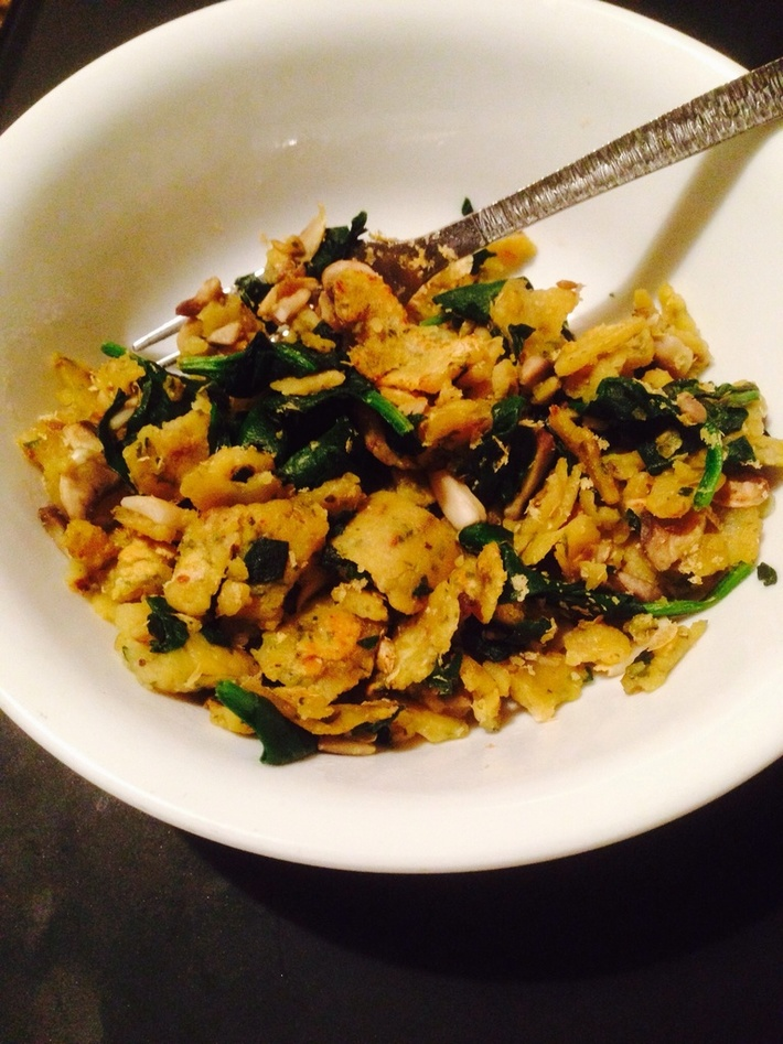 Scrambled chickpea pancake with mushroom and spinach