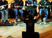 MÚSICA: Orquestra de Baixos e Guitarras Eléctricas