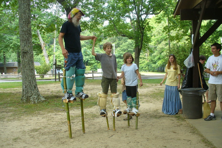 Trio on stilts
