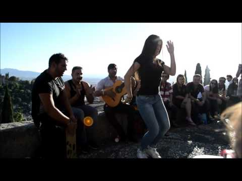 Mirador San nicolas Albaycin en Granada (Alhambra), rumba improvisada con Gitanos Lisa carmen
