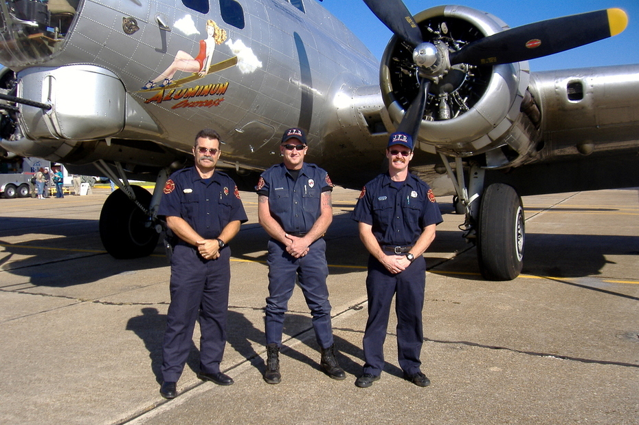 B-17 and Eng.#6/A Crew