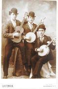 Guitar, Banjo, Banjeaurine.