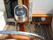 40' Newporter MIRACLE cockpit