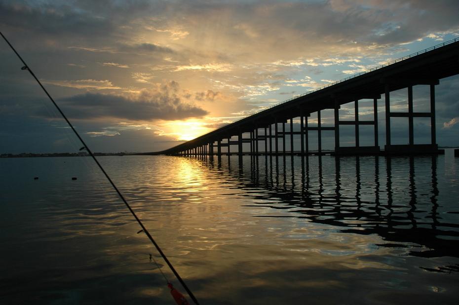 fishing sunrise manteo bridge