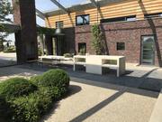 Buitenkeuken met tafel van beton