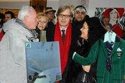 Vittorio Sgarbi curatore del Padiglione Italia della 54° Biennale di Venezia nella visita ai padiglioni, accompagna il  Presidente della Regione Piemonte Roberto Cota  illutra sommariamente alcune ope