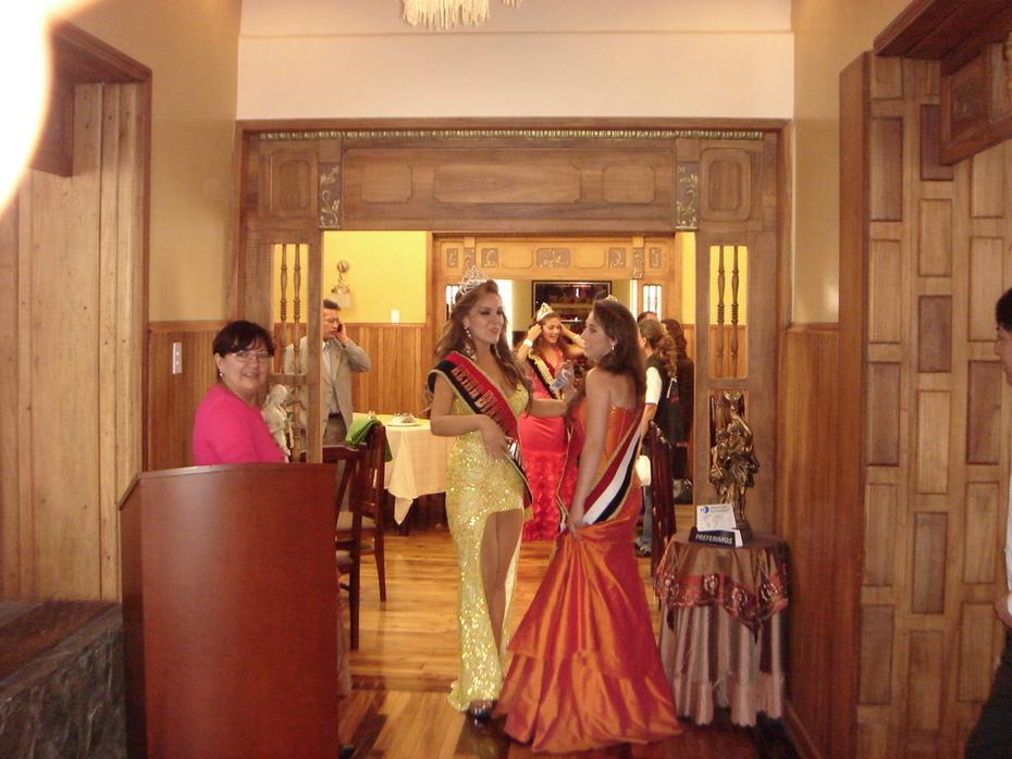 Reina del Diario los Andes & Reina del Colegio Maldonado
