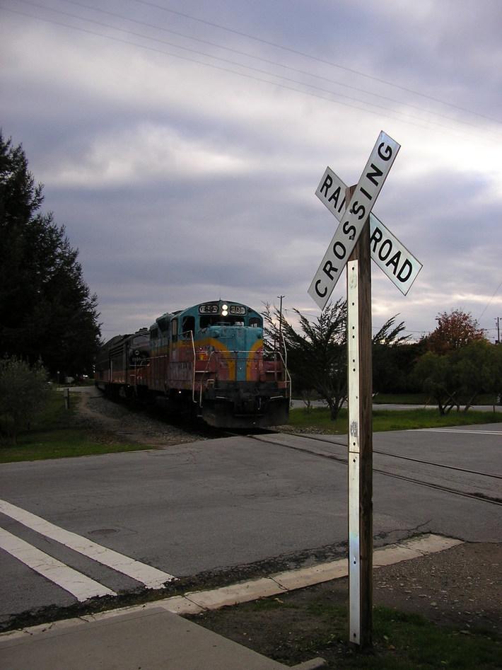 Christmas Train Leaves Town 004
