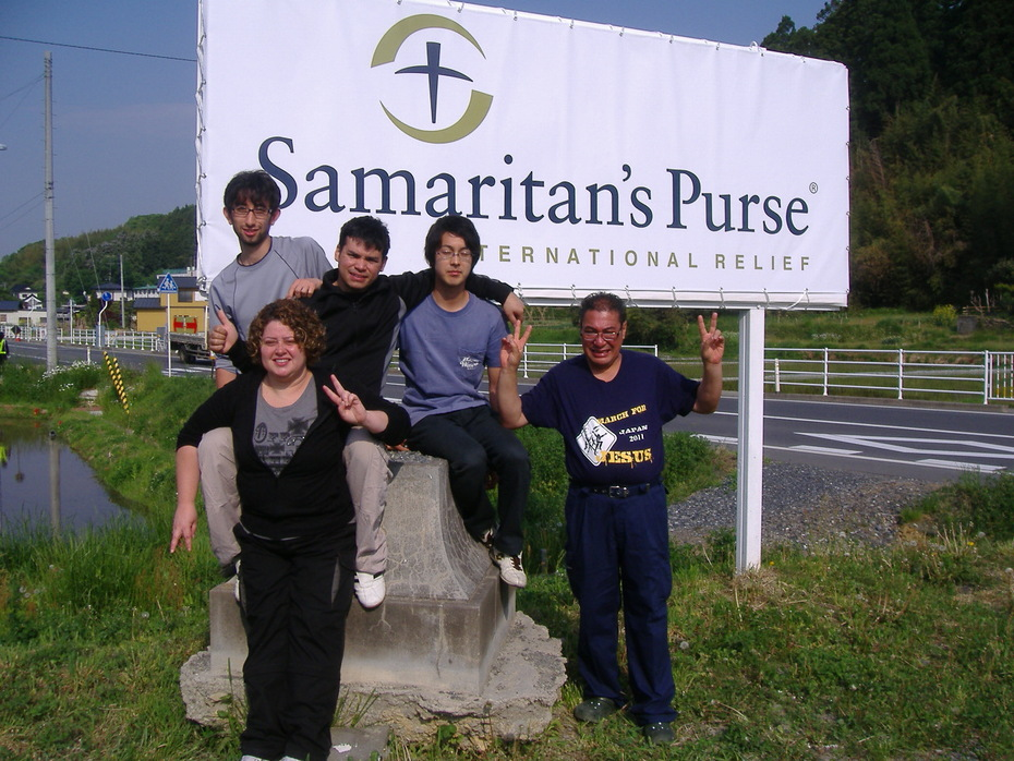 NA BASE  DO SAMARITAN´S PUSES INTERNATIONAL RELIEF