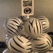 Balloon table decor