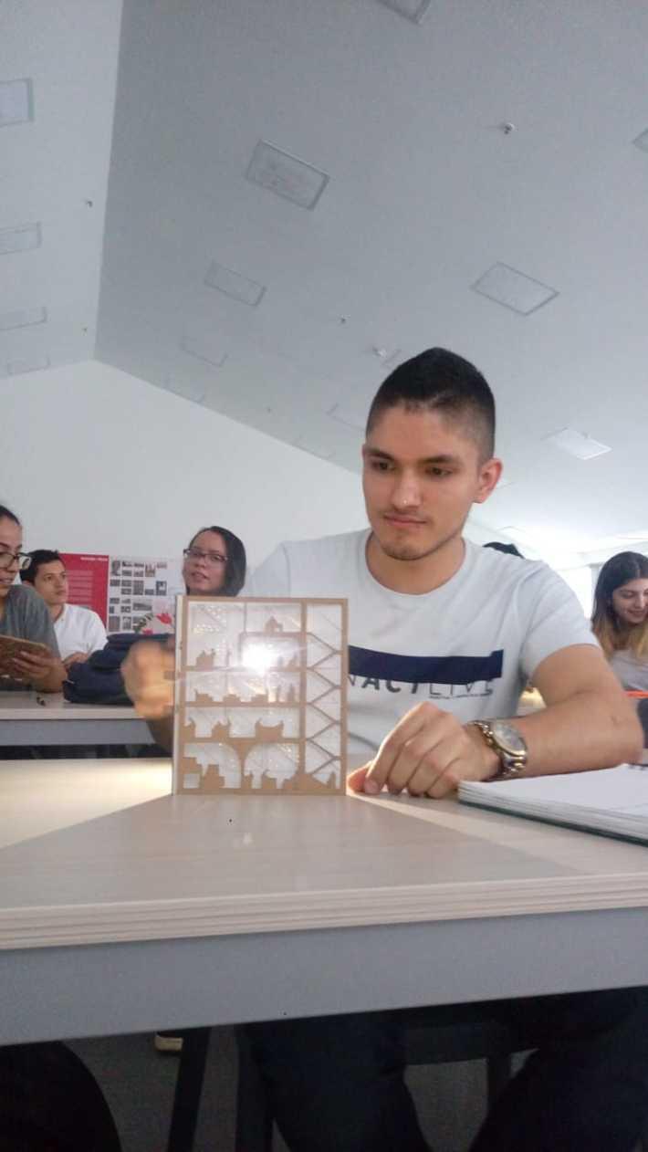 """Experiencias Investigativas en Arquitectura y Diseño """"Fachadas Reactivas"""""""