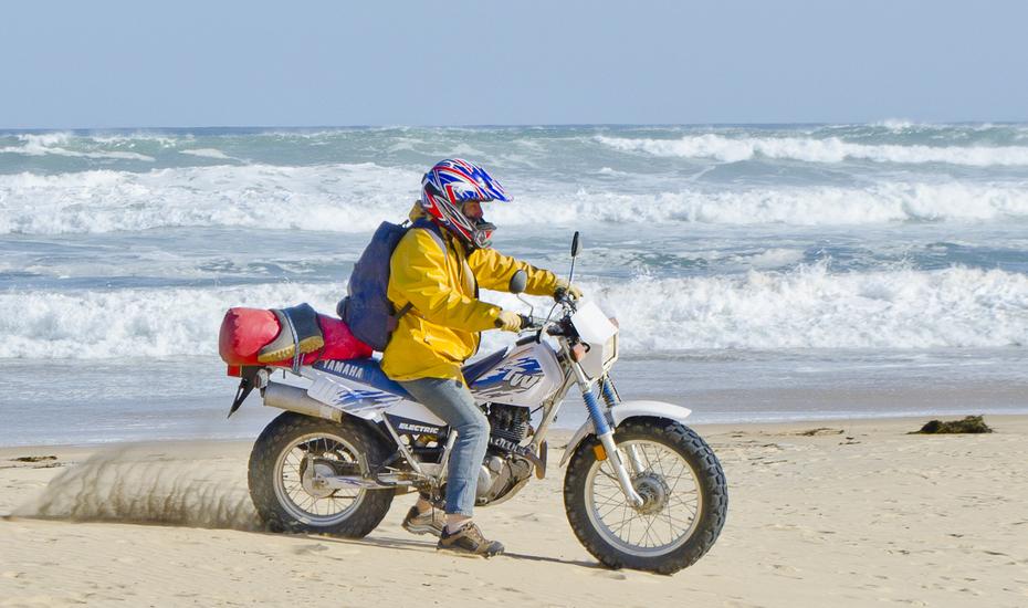 _DSC3204 wharram sailors explore africa by motorbike