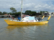 Mika meets Busheys boat.