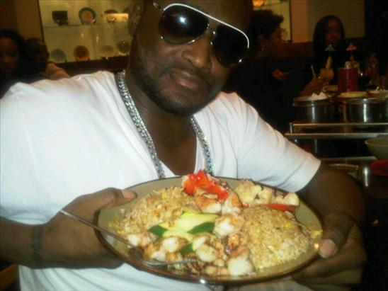 SHAWTY LO LOVES SEAFOOD!!