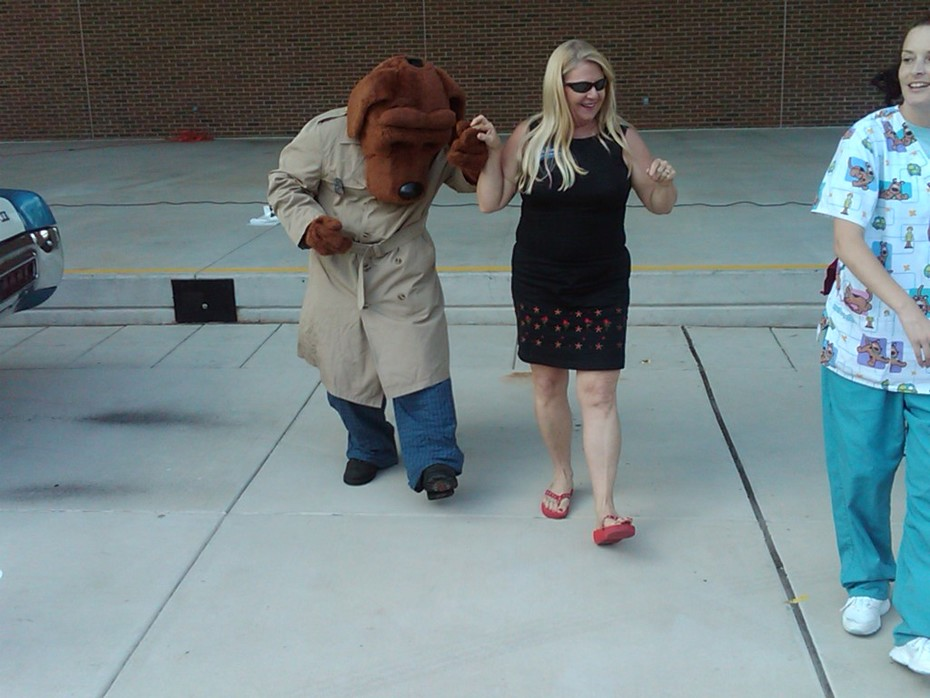 McGruff teaches new forensic technique to Maureen McDonnell