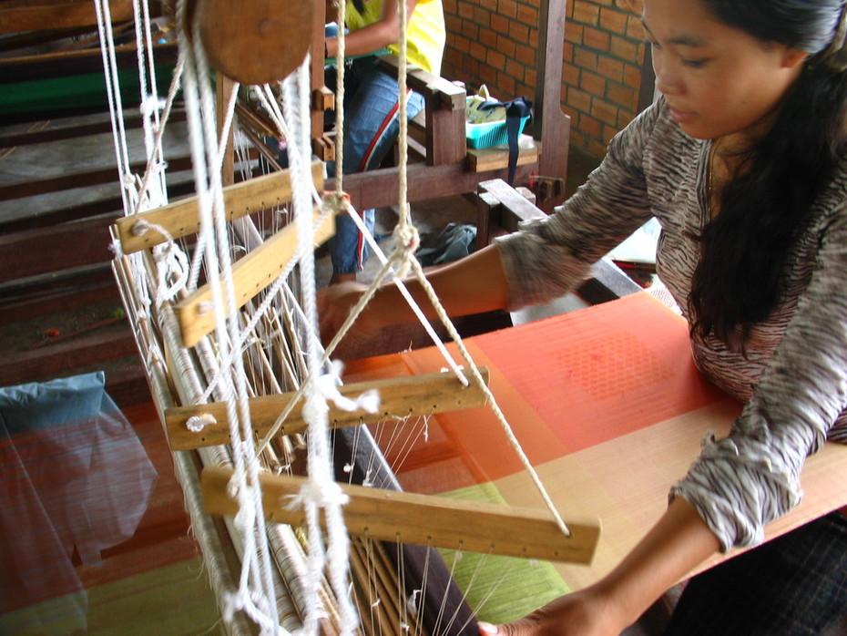 Vanny weaving Aspara's autumn silks