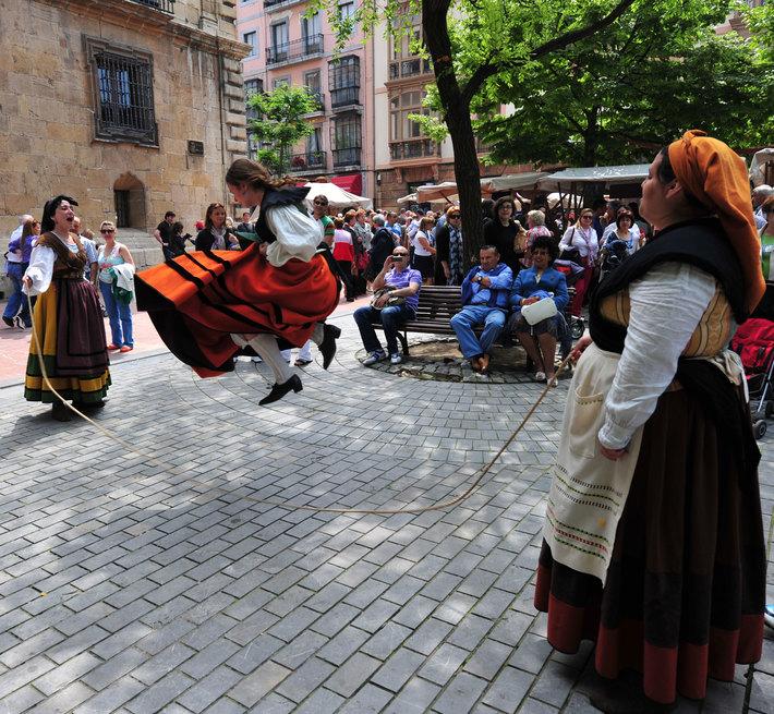 Al-pasar-la-barca-me-dijo-el-barquero.. La Ascensión en Oviedo