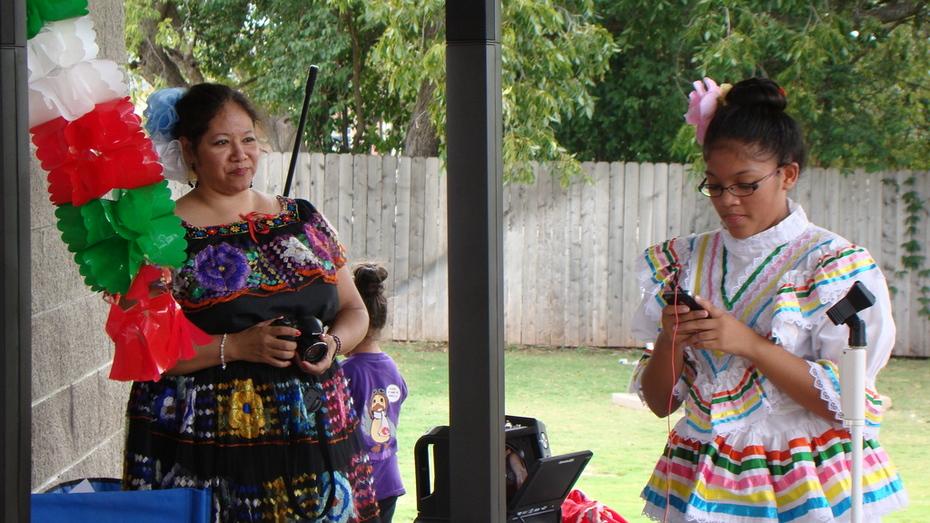 MECATX music & dance at Latin Expo 2014