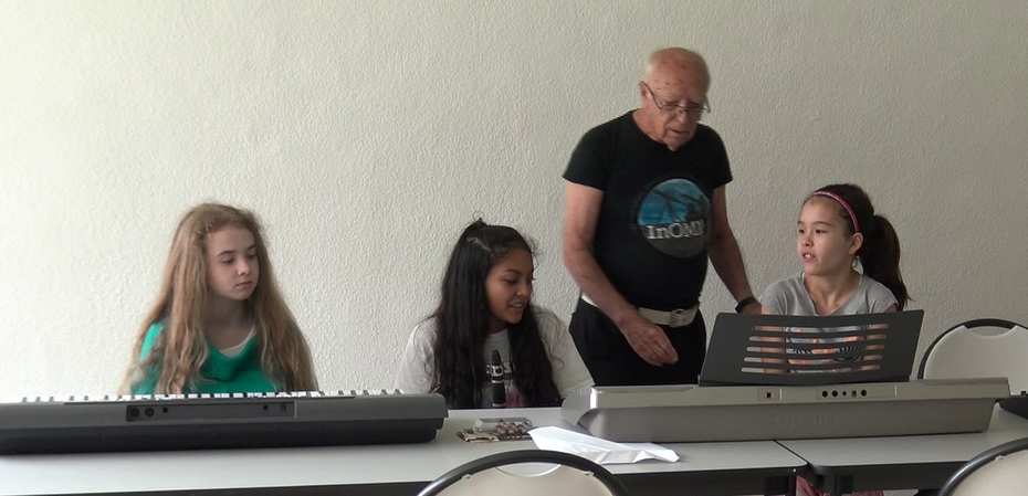 Teaching MIDI music at STEM summer class