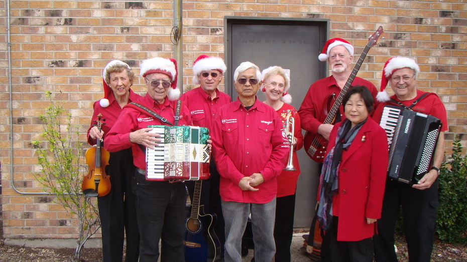 MECCA musicians spreading Christmas cheer